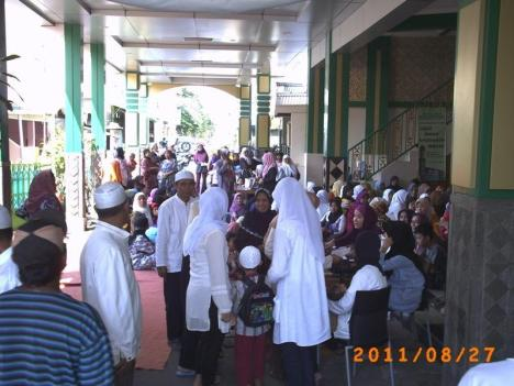 Peserta luber hingga keluar Masjid At Taubah